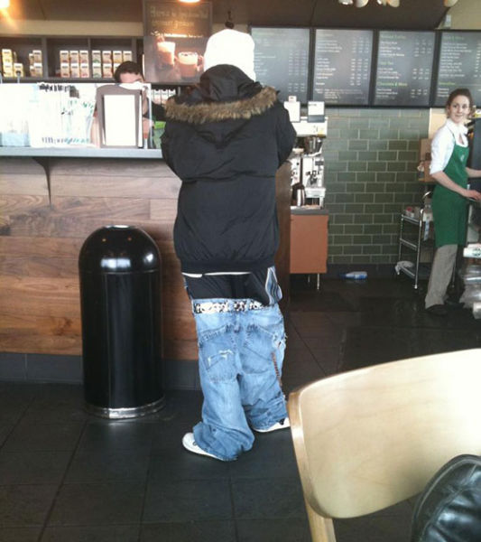 the_sagging_pants_fashion_trend_that_makes_absolutely_no_sense_640_11